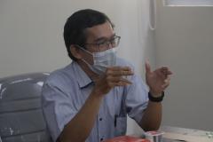 Dekan Fakultas Biologi Dr. Tatang Mitra Setia, M.Si. dalam acara presentasi kerjasama antara UNAS dan Briton Cambridge di ruang rapat pada Rabu, 1 September 2021