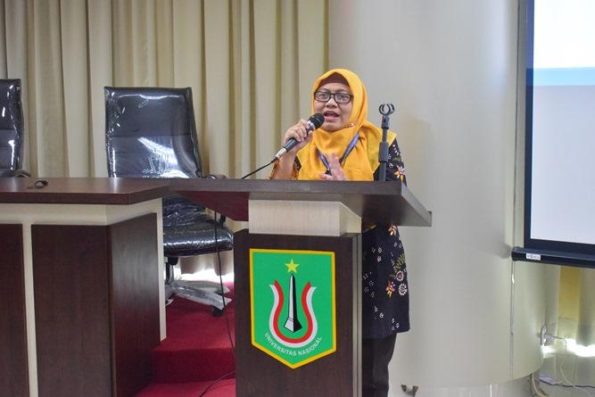 Kepala Seksi Kerjasama Industri  Kemendikbud Dra. Yuliati Sri Nurhidayati, M.Si saat memberikan sambutan