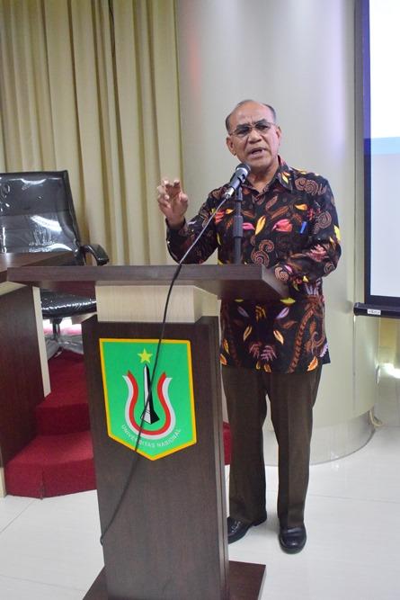 Rektor Universitas Nasional Dr El Amry Bermawi Putera, MA sedang menjelaskan tentang peluang bekerja di Korea (4)