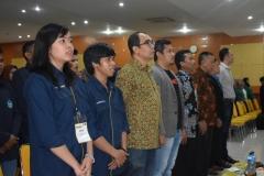 Saat menyanyikan lagu indonesia raya 2