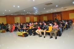 keramaian peserta seminar di Aula Blok I UNAS