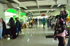 keramaian selasar dalam unas expo