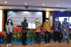 Penandatanganan Nota Kesepakatan Bersama (MoU) Universitas Nasional dengan Lembaga Sensor Film (LSF) pada Rabu, 31 Maret 2021 di Hotel Sahid Jakarta. Adapun kerjasama ini sebagai upaya bersama untuk menerapkan budaya sensor mandiri agar memperkuat dunia perfilman Indonesia