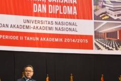 Zulkifli Hasan memberikan orasi ilmiah di wisuda Universitas Nasional