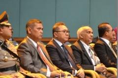 Ketua MPR Dr Zulkifli Hasan (tiga dari kiri) menghadiri wisuda Universitas Nasional