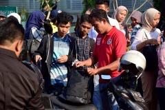 Pihak kepolisian merazia mahasiswa UNAS pada Selasa, 25 Juni 2019 di Universitas Nasional