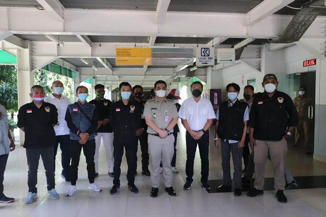 Foto bersama Wagub Jakarta Ahmad Riza Patria (tengah) bersama civitas akademika Unas