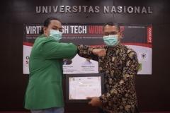 Faizil Akmal dari program studi Sistem Informasi sebagai juara 2 dalam lomba ini