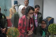 Asesor melakukan kunjungan ke sekretariat prodi D-IV Kebidanan
