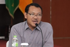 Asesor II Drs. Gatut Priyowidodo, M.Si, Ph.D