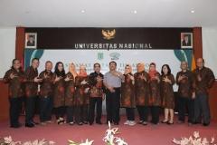 Foto Bersama asesor dengan segenap pimpinan dan dosen Ilmu Komunikasi (1)
