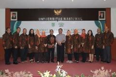 Foto Bersama asesor dengan segenap pimpinan dan dosen Ilmu Komunikasi