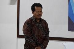 dekan fakultas bahasa dan sastra UNAS, Drs Somadi, MPd saat memberikan sambutannya