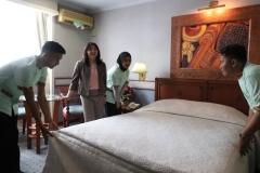 Kunjungan ke Kamar Hotel AKPARNAS