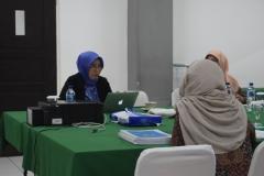 Dr. Sumarwati, M.pd Universitas Sebelah Maret