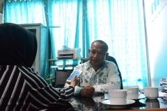 Kepala Biromawa Kamaruddin Salim, S.Sos., M.Si.  saat di wawancarai Tim Humas