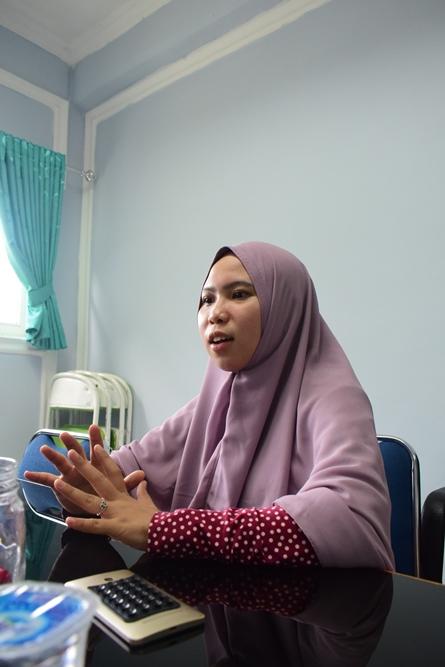 Anisa Arumningtyas saat menjelaskan kegiatannya di Thailand (2)