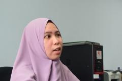 Anisa Arumningtyas saat menjelaskan kegiatannya
