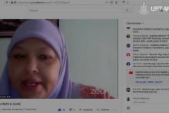 Dosen Universitas Riau yang juga moderator webinar Dr. Tuti Khairani H, S.Sos., M.Si.