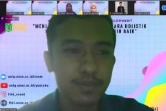 Ketua HIMTI Unas periode 2019/2020, Syahbani Farhan saat memberikan sambutan dan pertanyaan pada kegiatan Webinar Holistic Human Developement sebagai rangkaian Yudisium Series semester ganjil 2020/2021
