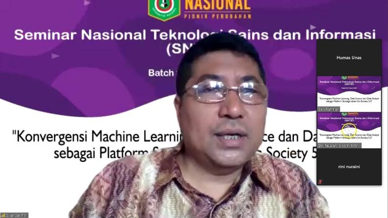Prof. Iskandar Fitri, S.T., M.T sedang menyampaikan materinya