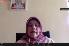 Penyampaian materi dari Sosiolog Universitas Pendidikan Indonesia, Prof. Dr. Elly Malihah, M.Si.