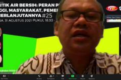 Direktur Eksekutif Win Development, Agus Priatna selaku narasumber sedang memaparkan materinya dalam Webinar Politik Air Bersih: Peran Perguruan Tinggi, Masyarakat, Pemerintah dan  Keberlanjutannya.