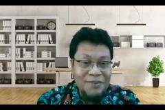 "Guru Besar FEB UNDIP Prof. Dr. Anis Chariri, S.E., Akt., M.Com., Ph.D., CA., CfrA., sebagai narasumber pada kegiatan Webinar Penelitian Kualitatif ""Metodologi Kualitatif Pada Riser Dasar dan Terapan"" yang diselenggarakan oleh HIMAKSI FEB UNAS hari Senin, 30 Agustus 2021"