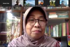 """Wakil Rektor Bidang PPMK Universitas Nasional, Prof. Dr. Ernawati Sinaga, M.S., Apt., dalam webinar yang diadakan PPM-Unas dan PERAGI Komda DKI dengan tema """"Pengelolaan Lingkungan Berbasis Keanekaragaman Hayati dan Permaculture untuk Mendukung Kehidupan Ekosistem yang Berkelanjutan"""" pada hari Jumat, 11 Juni 2021"""
