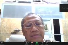 Dosen FEB Unas, Dr. Suharyono, S.E., M.Si.  sedang menyampaikan materi diskusinya