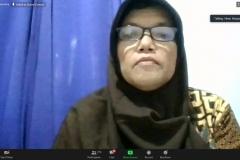 Dosen FEB Unas Dr. Rahayu Lestari, S.E., M.,M.,  sedang menyampaikan materinya dalam diskusi