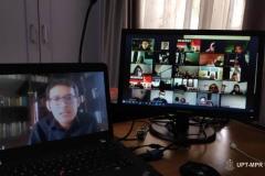 """Situasi saat kegiatan Webinar """"Indonesia's Economic Survival In The Middle Of Global Pandemic Covid-19"""" melalui video conference berlangsung"""