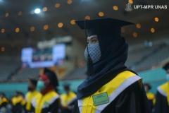 Wisudawati yang hadir dalam wisuda Universitas Nasional
