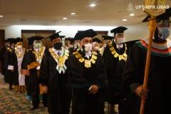 Segenap senat Universitas Nasional dalam Wisuda Pascasarjana, Sarjana, Profesi, Diploma Universitas Nasional, dan akademi-akademi Nasional  periode I tahun akademik 2019/2020 di Jakarta Convention Center (JCC), Senayan pada Sabtu, 28 November 2020
