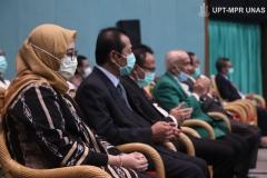 Para tamu VVIP yang hadir dalam Wisuda Pascasarjana, Sarjana, Profesi, Diploma Universitas Nasional, dan akademi-akademi Nasional  periode II T.A. 2019/2020 di Jakarta Convention Center (JCC), Senayan pada Minggu, 29 November 2020