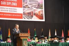 Ketua MPR RI Dr. ( HC). H. Zulkifli Hasan, SE.,M.M Periode 2014-2019 saat menjadi tamu kehormatan pada acara wisuda Unas maret 2015