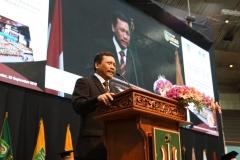PLT Lembaga Layanan Pendidikan Tinggi, Dr. M Samsuri memberikan motivasi kepada para lulusan UNAS