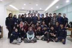 Foto Bersama Para Peserta Seminar (2)