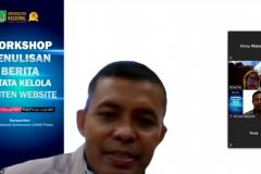 Kepala Bidang Internal & Eksternal Service Sutikman, S.T., M.Kom. saat memoderatori acara pelatihan workshop penulisan berita dan tata kelola konten website pada Rabu, 17 Februari 2021 melalui aplikasi zoom