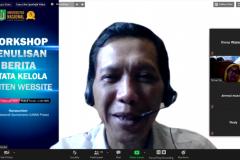 Jurnalis senior Imam Mawardi Sumarsono saat memaparkan materi nya dalam kegiatan pelatihan workshop penulisan berita dan tata kelola konten website pada Rabu, 17 Februari 2021 melalui aplikasi zoom