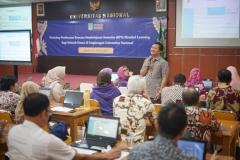 Para dosen nampak Khidmat mengikuti kegiatan Workshop Pembuatan RPS Blended Learning (2)