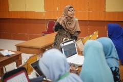 Para dosen nampak Khidmat mengikuti kegiatan Workshop Pembuatan RPS Blended Learning (4)