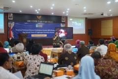 Wakil Rektor Bidang Akademik Prof. Dr. Iskandar Fitri, S.T., M.T. sedang memberikan materi