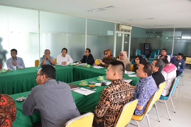 Workshop Pengembangan Kurikulum Ilmu Hukum & Penyusunan RPS Prodi Ilmu Hukum UNAS (7)