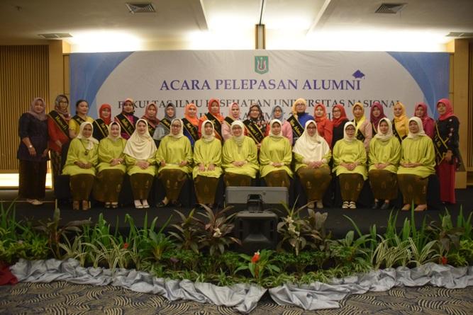 Yudisium Fakultas Ilmu Kesehatan Tahun Akademik 2017-2018 (26)