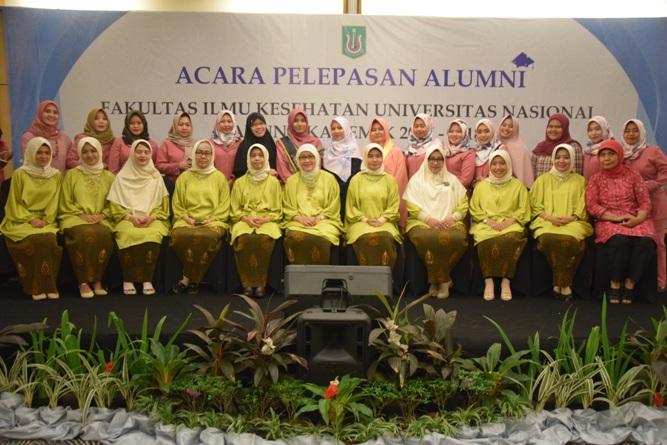 Yudisium Fakultas Ilmu Kesehatan Tahun Akademik 2017-2018 (27)