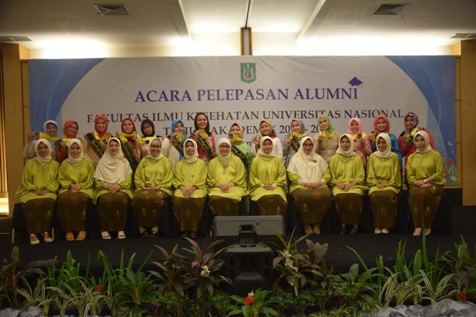 Yudisium Fakultas Ilmu Kesehatan Tahun Akademik 2017-2018 (28)