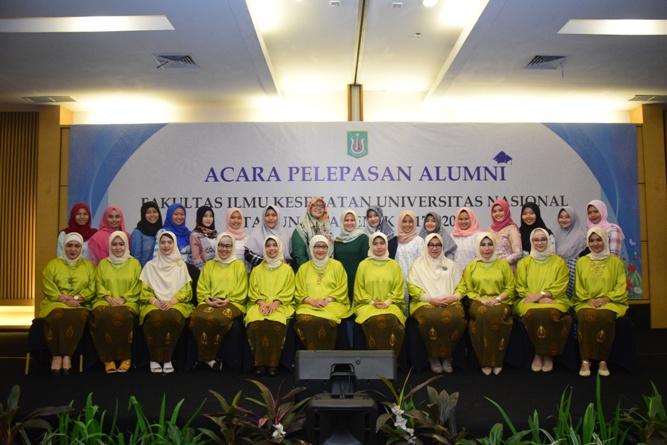 Yudisium Fakultas Ilmu Kesehatan Tahun Akademik 2017-2018 (30)