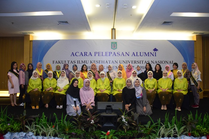 Yudisium Fakultas Ilmu Kesehatan Tahun Akademik 2017-2018 (33)