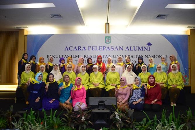 Yudisium Fakultas Ilmu Kesehatan Tahun Akademik 2017-2018 (37)